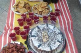 Celebramos el cumpleaños de nuestro querido interno, torta y golosinas